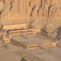 Архитектура Древнего Египта. Среднее царство. Период VII—XVII династий (конец III тысячелетия до н. э. — XVII в. до н. э.)