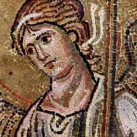 Ангел. Фрагмент мозаики церкви в монастыре Дафии близ Афин. 2-я половина 11 века