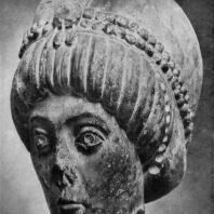 Голова императрицы, возможно, Феодоры. Мрамор. Середина 6 век. Милан, Кастелло Сфорцеско