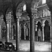 Базилика Сант Аполлинаре Нуово в Равенне. Начало 6 век. Внутренний вид