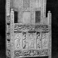 Трон архиепископа Максимиана, украшенный резными пластинами слоновой кости. Между 546 и 556 гг. Равенна, Архиепископский музей