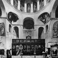 Церковь монастыря Дафни близ Афин. 2-я половина 11 века. Внутренний вид