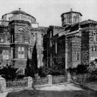 Кафоликон и церковь Богоматери монастыря Хозиос Лукас в Фокиде. Конец 10 - 1-я половина 11 века. Вид с востока