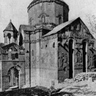 Храм на острове Ахтамар. 915-921 гг. Вид с юго-запада