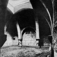 Агарцин. Внутренний вид трапезной. До 1248 г.
