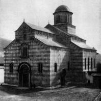 Церковь Спасителя в Дечанах. 1327-1335 г. Вид с юго-запада