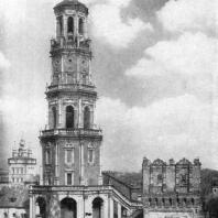 Новодевичий монастырь в Москве. Колокольня. 1690