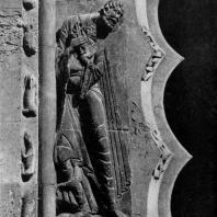 Св. Петр. Статуя портала церкви Сен Пьер в Муассаке. 1130-1135 гг.