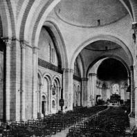 Собор Сен Пьер в Ангулеме. Внутренний вид