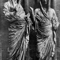 Встреча Марии с Елизаветой. Скульптурная группа собора в Реймсе. Центральный портал западного фасада. 1225- 1240 гг.