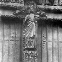 «Золоченая Мадонна». Статуя собора в Амьене. Портал Марии; южный фасад трансепта. Около 1270 г.