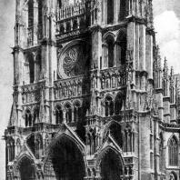 Собор Нотр-Дам в Амьене. Западный фасад. 13 в.; башни закончены в 14 и 15 вв.
