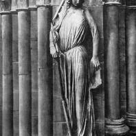 Синагога. Статуя собора в Страсбурге. Портал южного фасада трансепта. 30-е гг. 13 в.
