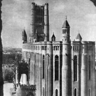Собор в Альби. Заложен в 1282 г.; строительство завершено в основном в 14 в. Вид с юго-востока