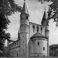 Церковь св. Кириака в Гернроде. Вид с северо-запада