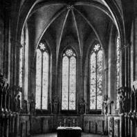 Собор в Наумбурге. Внутренний вид западного хора со скульптурными группами. Статуи выполнены в середине 13 в.