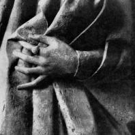 Рука Уты. Фрагмент статуи собора в Наумбурге