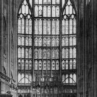 Собор в Глочестере. Окно в восточной части хора. 14 век