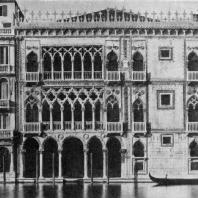 Палаццо Ка д'Оро в Венеции. Начало 15 века. Фасад