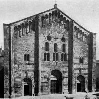Церковь Сан Микеле в Павии. 12 век. Западный фасад