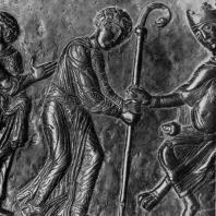 Св. Войцех принимает епископский посох. Рельеф бронзовых дверей собора в Гнезно. Фрагмент. 1-я половина 12 века