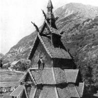 Церковь в Боргунде (Borgund stavkyrkje). 12 век. Вид с юго-запада
