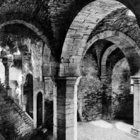 Церковь св. Духа в Висби. Около 1255 г. Нижний этаж. Внутренний вид
