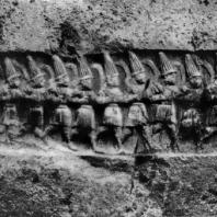 Идущие воины. Хеттский наскальный рельеф в Язылы-Кая. 13 в. до н. э