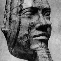 Голова статуи фараона IV династии (возможно , Хафра). Диорит. Первая половина 3 тыс.до н. э. Лейпциг. Университет