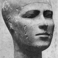 Портретная голова из Гизэ. Известняк. IV династия. Первая половина 3 тыс. до н. э. Вена. Художественно-исторический музей