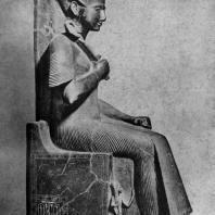 Статуя фараона Рамсеса II. Черный гранит. XIX династия. 13 в. до н. э. Турин. Музей