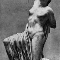 Раненая Ниобида. Вероятно, одна из фигур фронтонной композиции. Мрамор. Середина 5 в. до н. э. Рим. Музей Терм