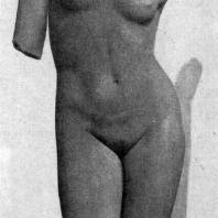 Торс Афродиты. 4 в. до н. э. Мраморная римская копия с утраченного оригинала. Неаполь. Национальный музей