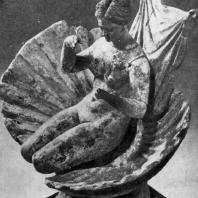 Афродита в раковине. Танагрская статуэтка. Терракота. Конец 4 в. до н. э. Париж. Лувр