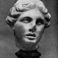 Голова Афродиты из Пергама. Мрамор. Начало 2 в. до н. э. Берлин
