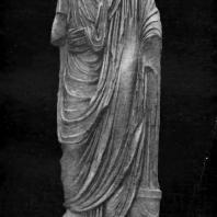 Статуя поэта из Харакса. Мрамор. 1 в. до н. э. - 1 в. н. э. Москва. Музей изобразительных искусств им. А.С. Пушкина